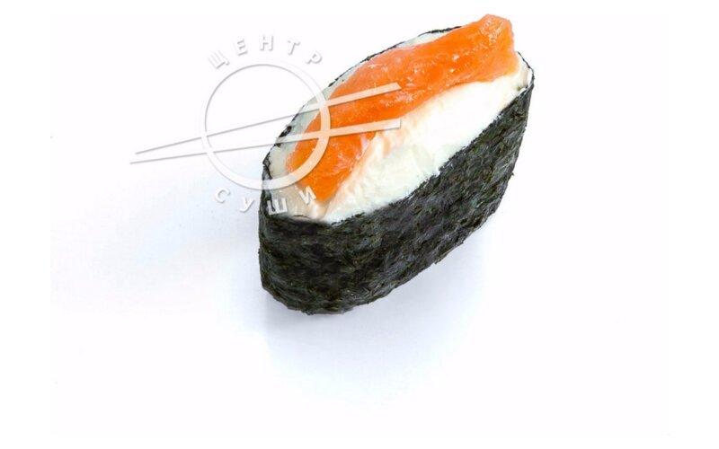 Сырный гункан с лососем