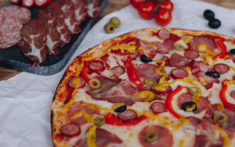 Фирменная пицца Pizzburg
