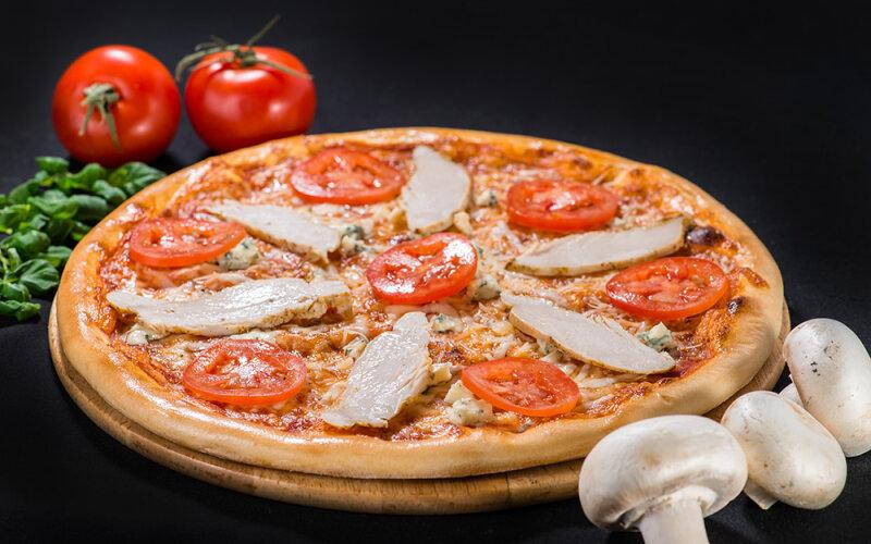 Пицца на толстом тесте «Чикен блю»