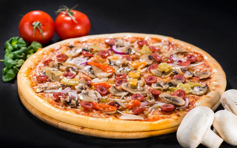 Пицца на толстом тесте «Охотничья»
