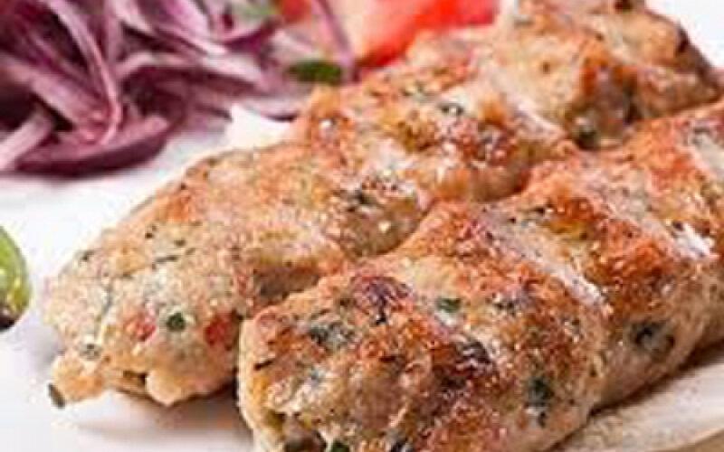 Люля-кебаб из курицы с сыром и шампиньонами