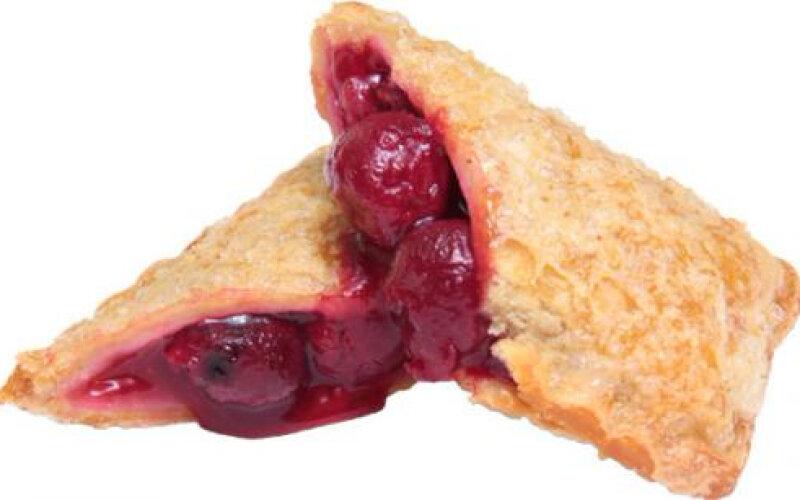 Пирожок с вишнёвой начинкой
