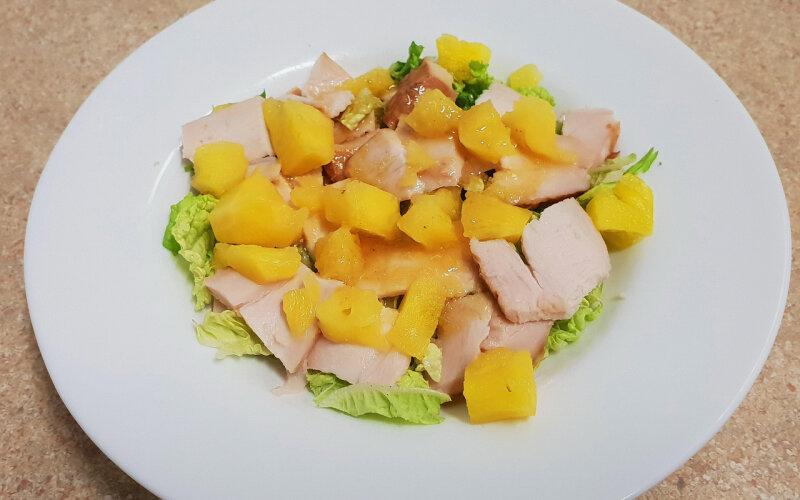 Салат «Ешь ананасы, рябчиков жуй...»