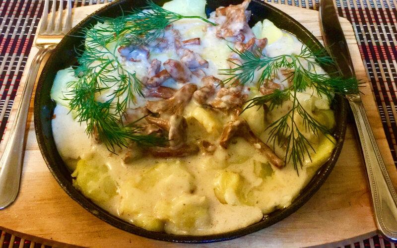 Сковородка «Деревенская» с жареными лисичками