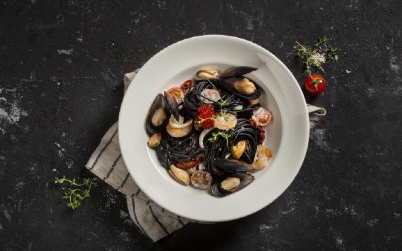 Спагетти «Нери» с морепродуктами