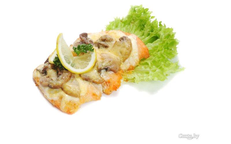 Рыба, запечённая с грибами