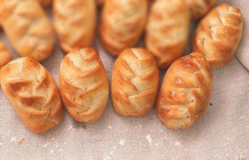 Пирожки с минтаем