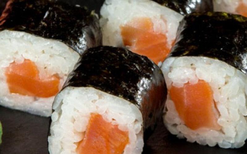 Ролл «Классика» с жареным лососем