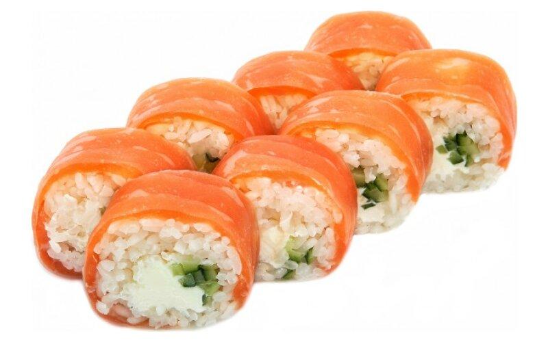Ролл в рисовой бумаге с лососем