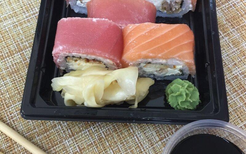 Ролл «Рыбная семейка»