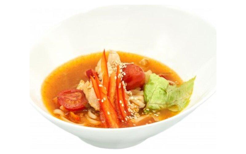 Китайский острый суп с лапшой