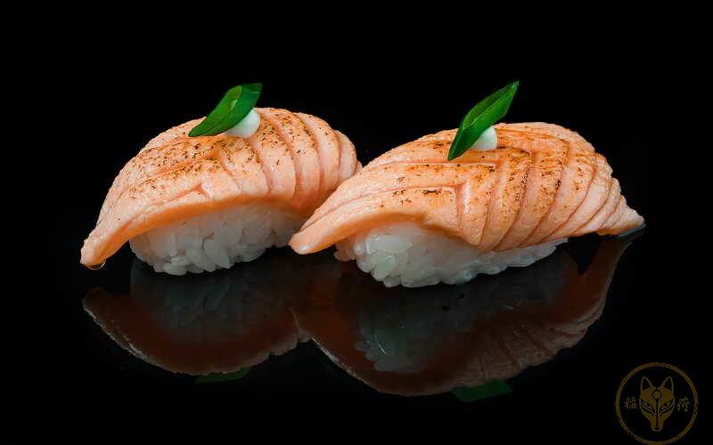 Суши «Сяке ацуи»