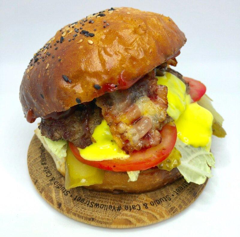 Бургер «Классический» с котлетой из говядины