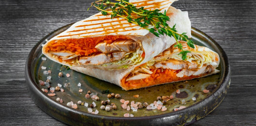 Шаурма с курицей и морковью «По-корейски»