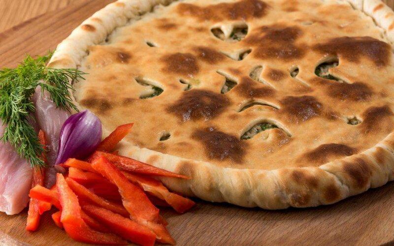 Осетинский пирог с курицей и болгарским перцем