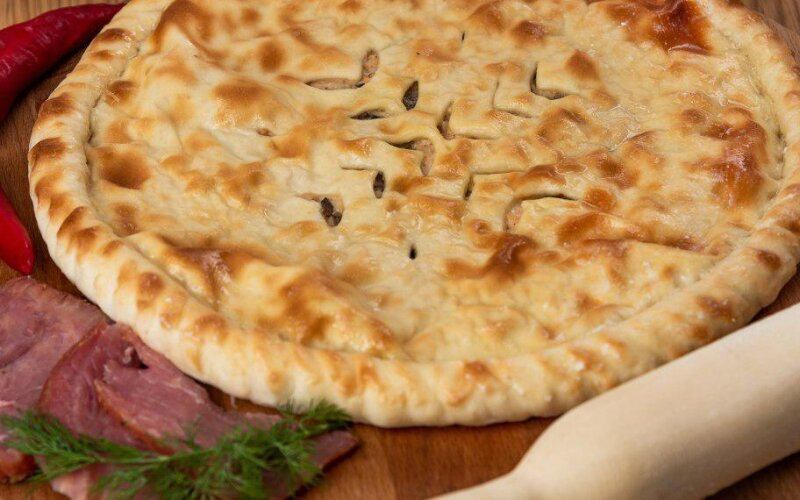 Осетинский пирог с  говядиной и зеленью