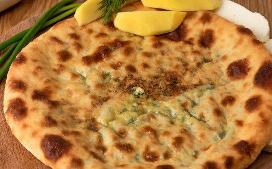 Осетинский пирог с  картофелем исыром
