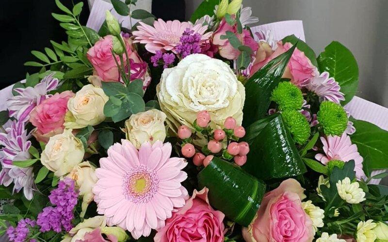 Букет цветов «Жизнь в розовом цвете»