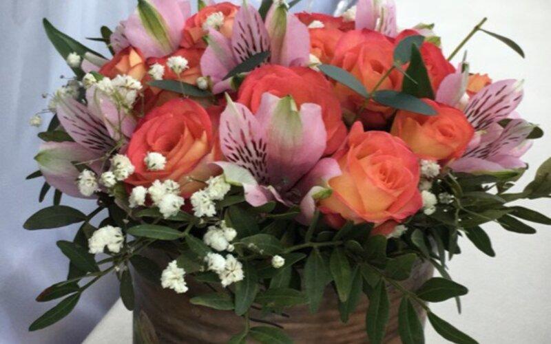 Коробка с цветами «Без слов»