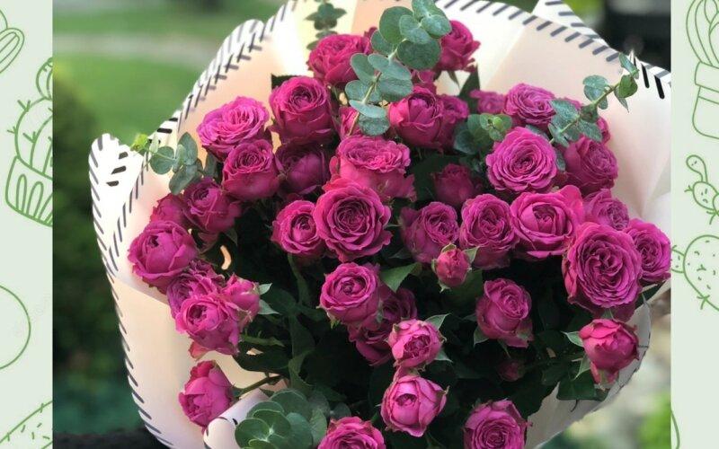 Букет «Яркость» из кустовых роз
