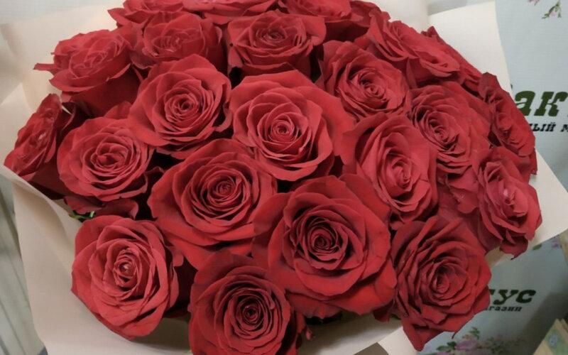 Букет «Роскошь» из 25 роз
