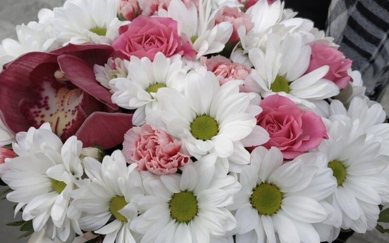 Коробка с цветами «Встреча»