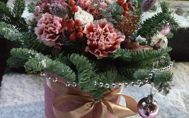 Коробка с цветами «В ожидании чуда»