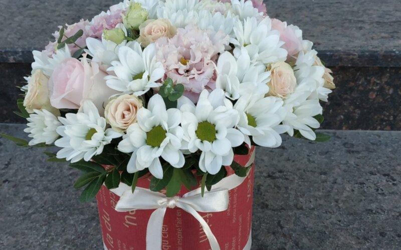 Коробка с цветами «Легкость»