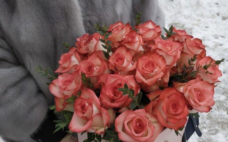 Коробка с цветами «21 роза»