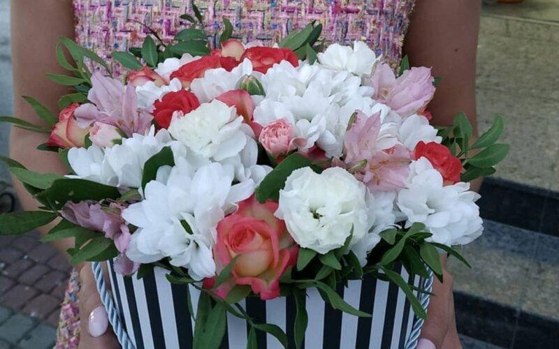 Коробка с цветами «С любовью»