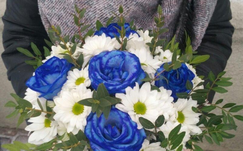 Коробка с цветами «Синева неба»