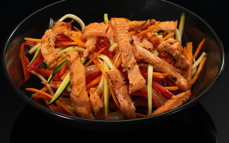 Рис с чернилами WOK с лососем