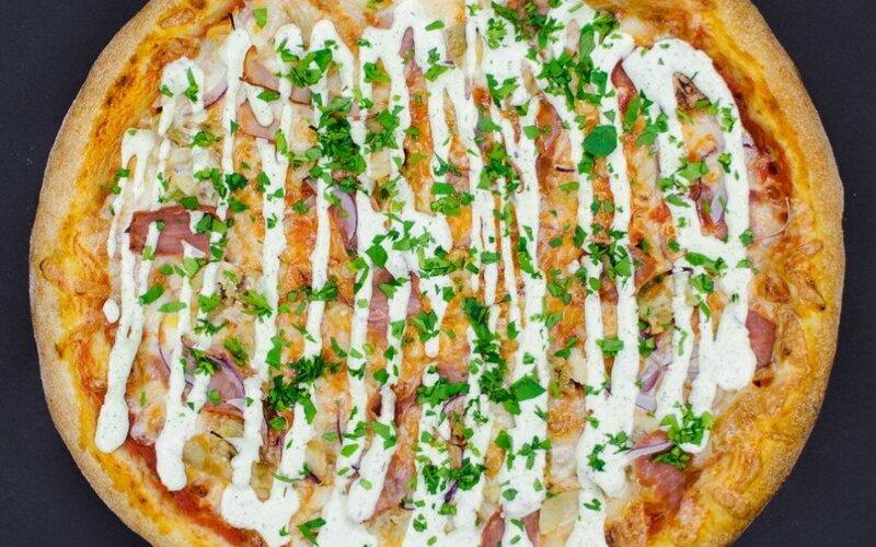 Пицца «Цыплёнок с чесночным соусом»