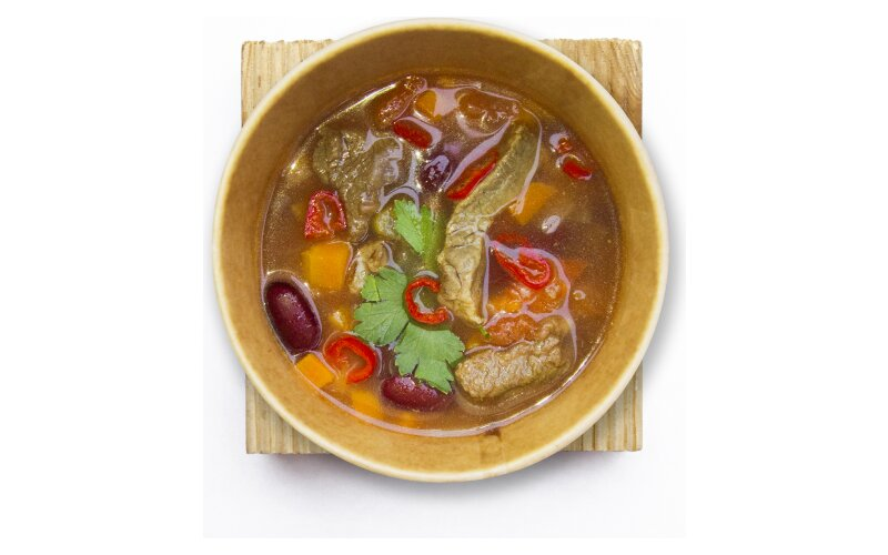 Фасолевый суп с говядиной и чили