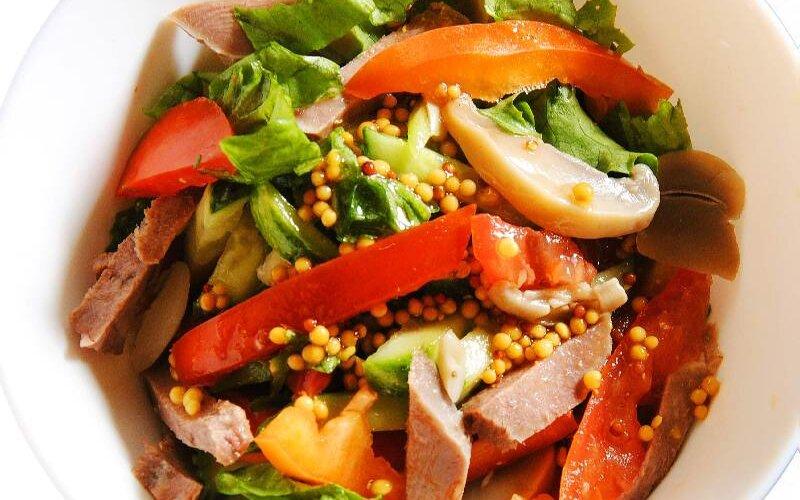 Салат из языка с овощами