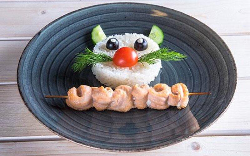Шашлычок из лосося с рисом «Гохан»