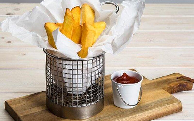 Бельгийский картофель с кетчупом