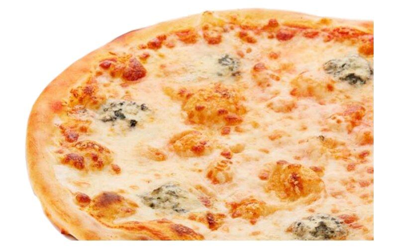 Пицца «Четыресыра» на пышном тесте