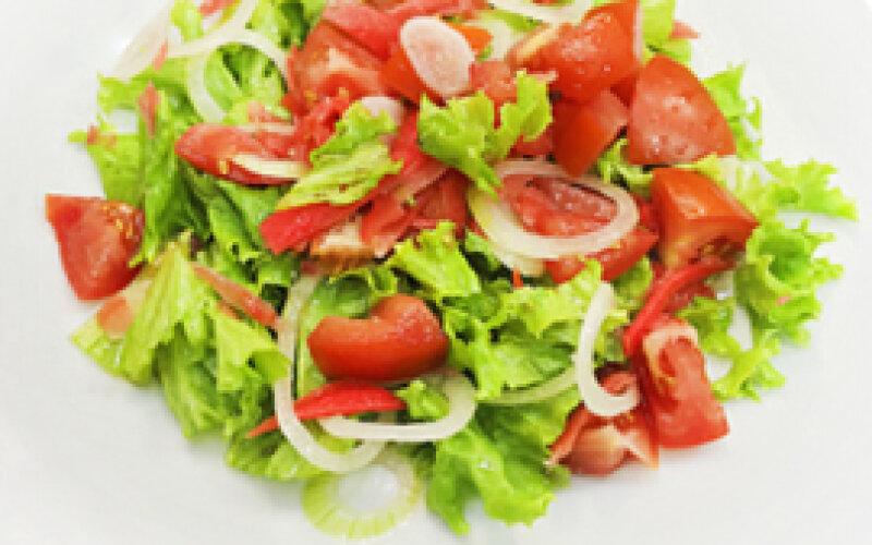 Салат овощной с имбирём