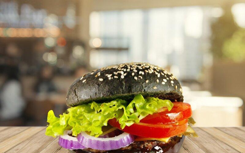 Black burger с говяжьей котлетой