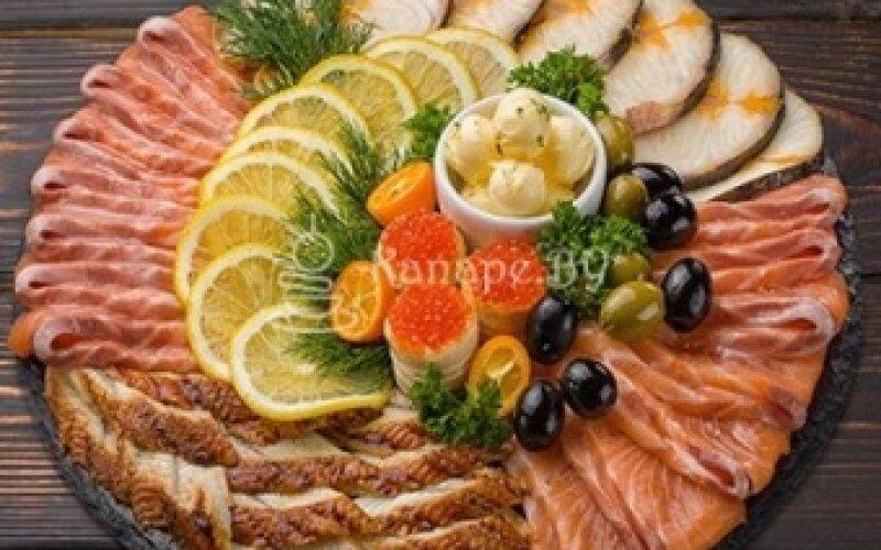 Закуска «По-царски» (угорь, осетрина, лосось)