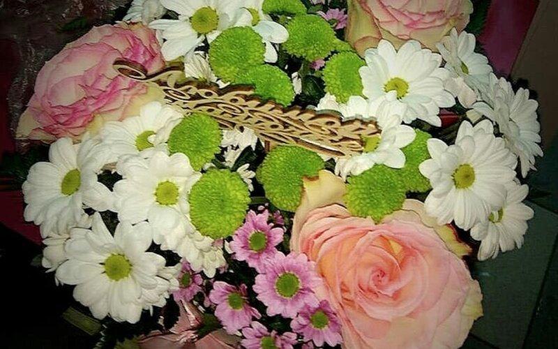 Коробка с цветами «Поцелуй»
