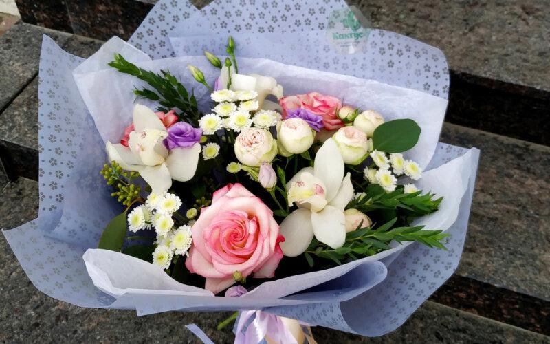 Букет «Небесное послание» из пионовидных роз