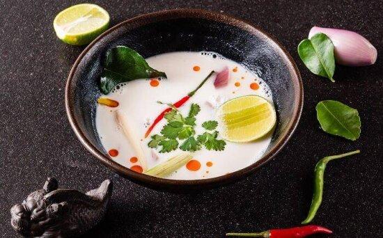 Суп «Том Кха» с тигровыми креветками