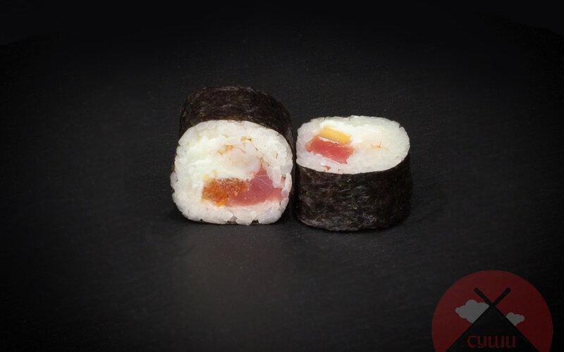 Ролл «Креветка с тунцом и помидором»