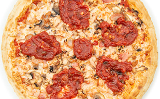 Пицца со сладко-острым соусом