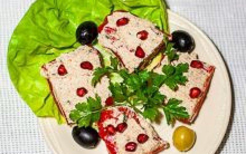 Перец болгарский фаршированный грецкими орехами