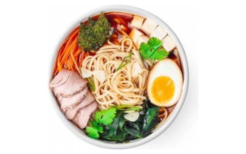 Суп «Рамэн» со свининой, тофу и кинзой
