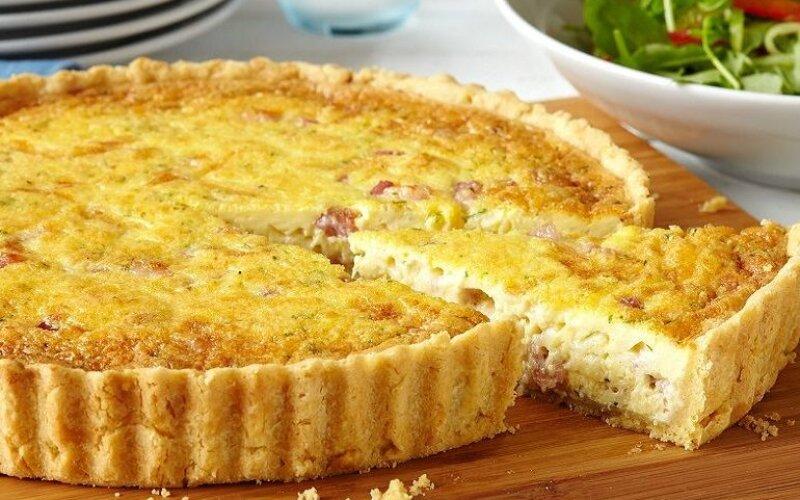 Закрытый пирог с курицей и ананасом