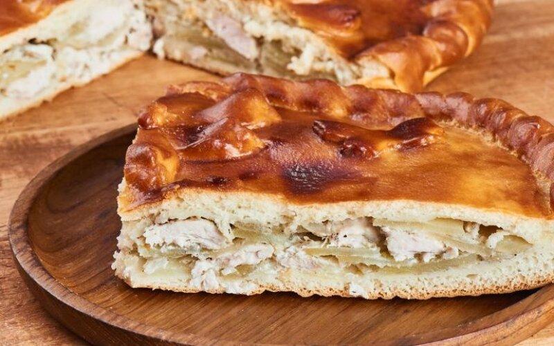 Закрытый пирог с курицей и картофелем